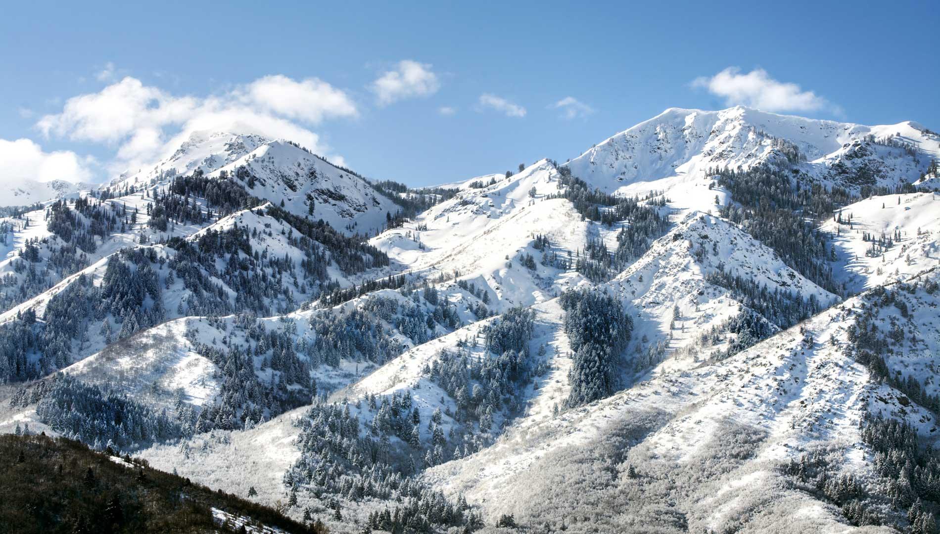 mountain range in Syracuse, Utah