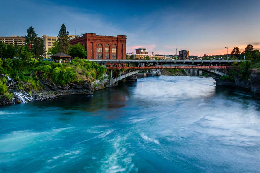 River heading into Spokane, Washington